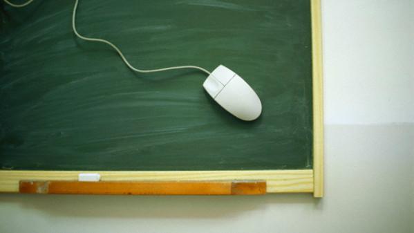 Istruzione accessibile e paritaria grazie alla tecnologia