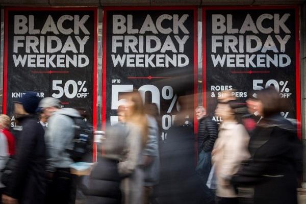 Pagamenti con carte in aumento del 34% nel Black Friday