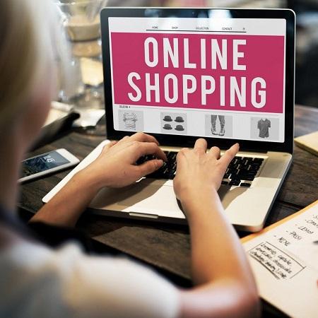Cresce lo shopping online con nuovi metodi di consegna e ritiro