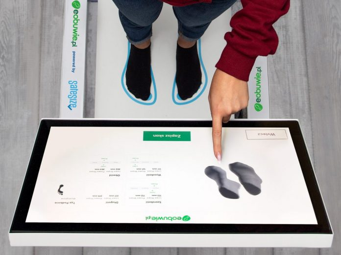 a3f2b43d3b98 Comprare scarpe online  Da oggi con la scansione 3D del piede - BitMat