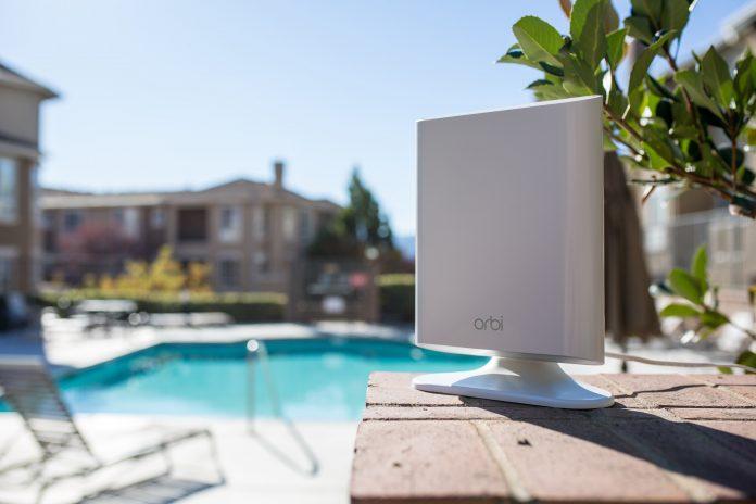 Orbi Outdoor: il ripetitore Netgear per estendere il wifi all'aperto