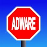 Adware: colpise quando gli italiani sono in vacanza