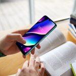 Scuola e smartphone: 7 su 10 lo usano con i professori