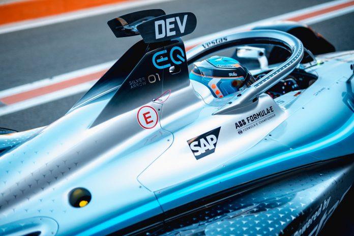 Il team Mercedes-Benz EQ debutta in Formula E grazie a SAP
