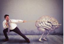 Aumenta la fuga di cervelli, e in Italia mancano specialisti
