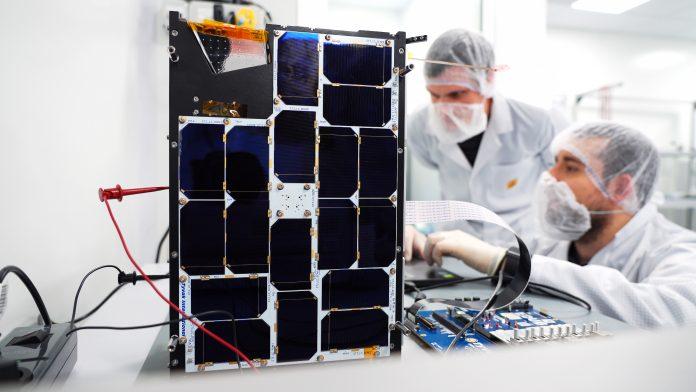 PhiSat-1: l'intelligenza artificiale va in orbita
