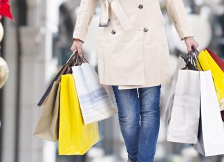 Vendita al dettaglio, il 74% degli italiani sceglie i negozi fisici