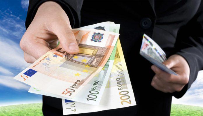 Contante addio: pagamenti digitali in sorpasso