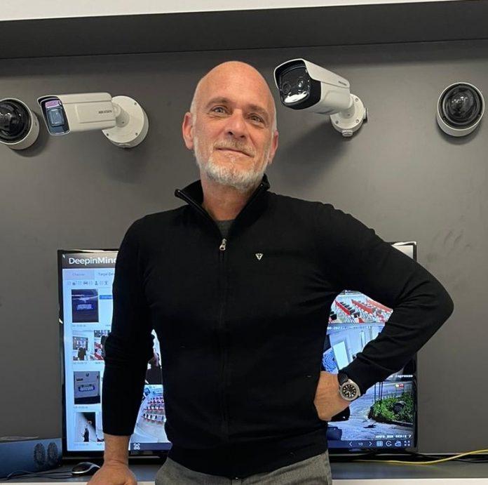 Carlo Mazzoni è Pre Sales Engineer & Tech Support di Hikmicro