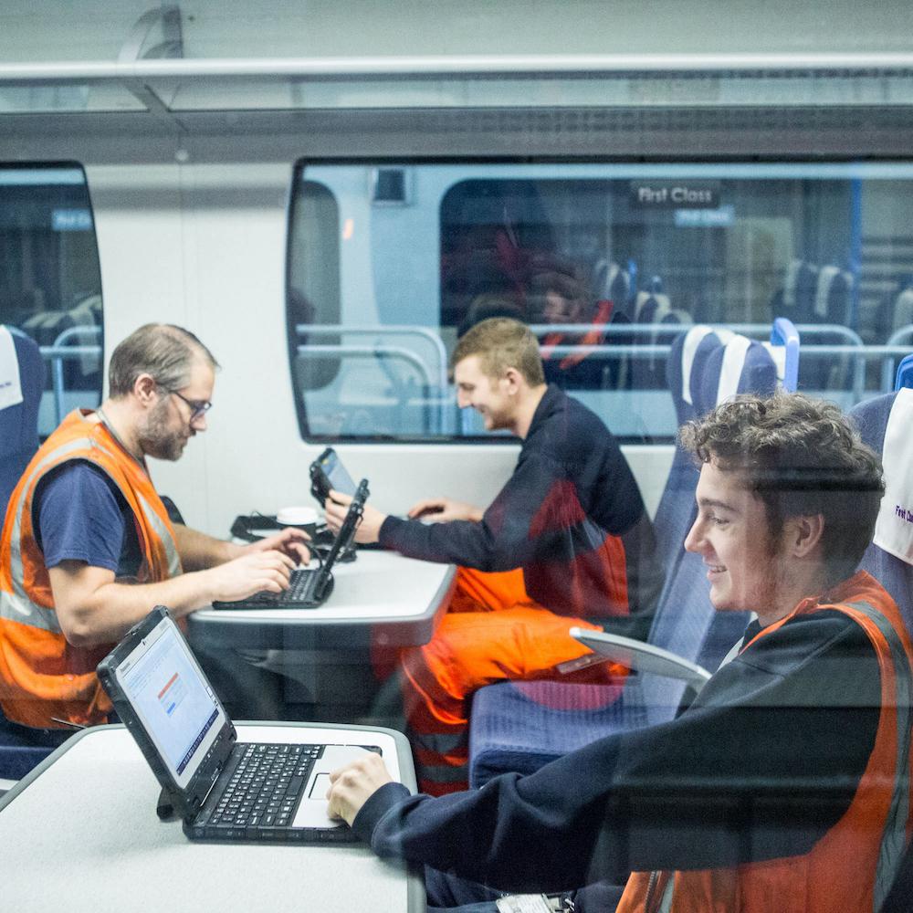 Efficienza dei treni con le soluzioni Panasonic TOUGHBOOK